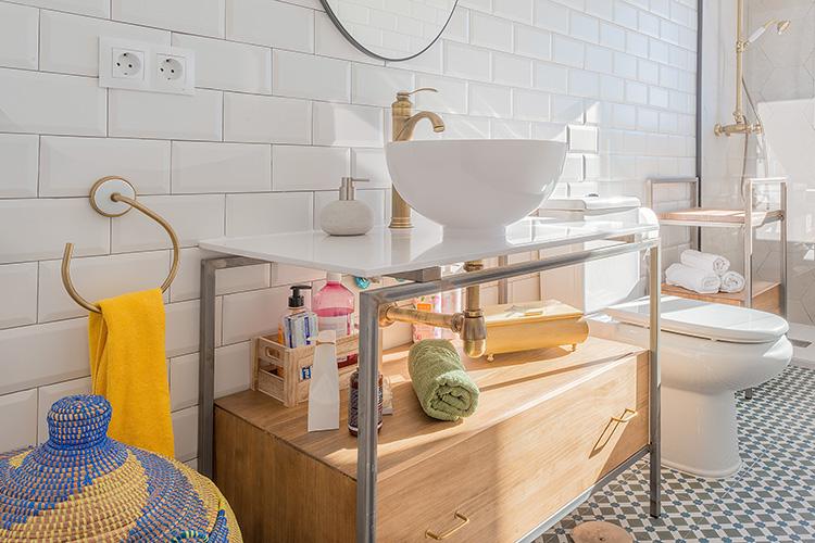 Decoración de interiores reforma estilo industrial mueble lavabo