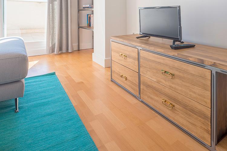 Decoración de interiores reforma estilo industrial mueble televisión