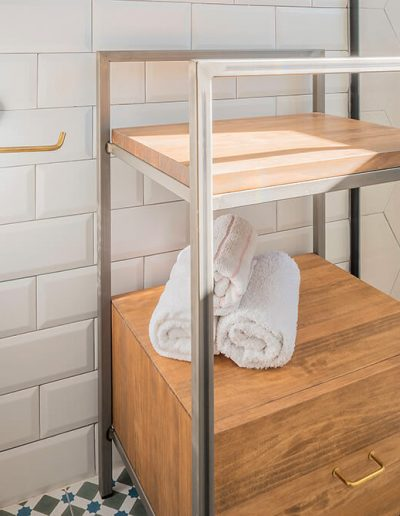 Interiorismo Vivienda Durango mueble vintage baño
