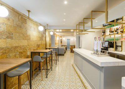 Interiorismo Bar la Herrería diseño entrada