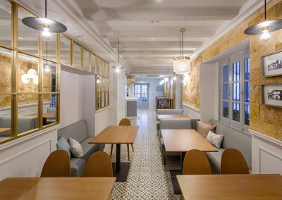 Interiorismo Bar la Herrería diseño exclusivo zona comedor