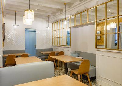 Interiorismo Bar la Herrería diseño y decoración ambiente comedor