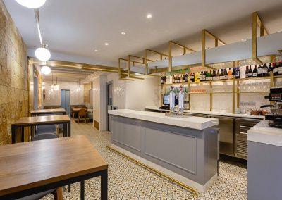 Interiorismo Bar la Herrería diseño zona barra